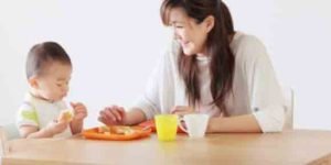 Read more about the article Introducing Solid Foods